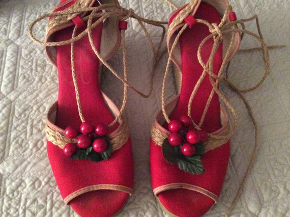JAN SALE  - 1940s Red cherry Wedges Size 5 1\2 Gor