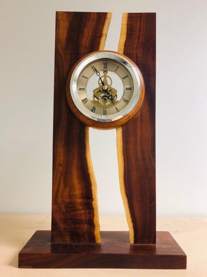 Skeleton clock image 0