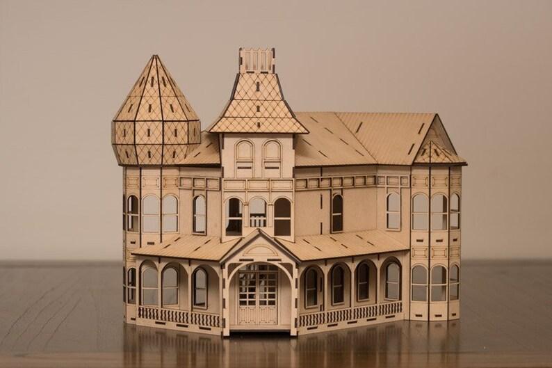Russian Villa dollhouse kit image 0