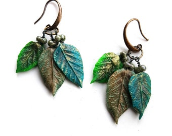 3 Green Leaves earrings hand made with Polimer Clay