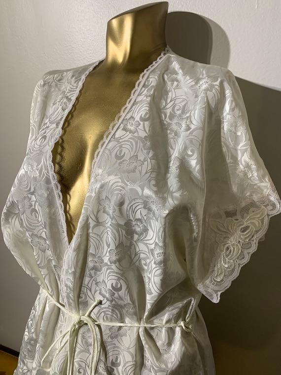 1980's Vintage Val Mode Petite Cream Robe, Lace De