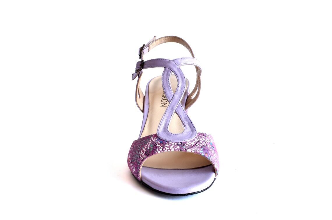 MARISOL VIOLET - Sandalias de tacón, zapatos de mujer, cuero, color violeta con motivos florales, Oferta especial Primavera Verano