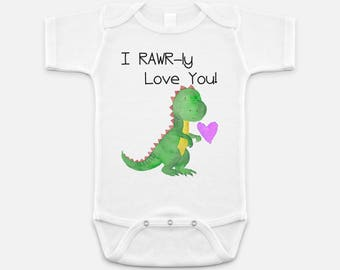 Newborn Boy Gift - Baby Shower - Boys Shirt - Dinosaur Shirt - Boys T-shirts - Dino Shirt - Gifts for Boys - T-rex shirt - I RAWRly Love You