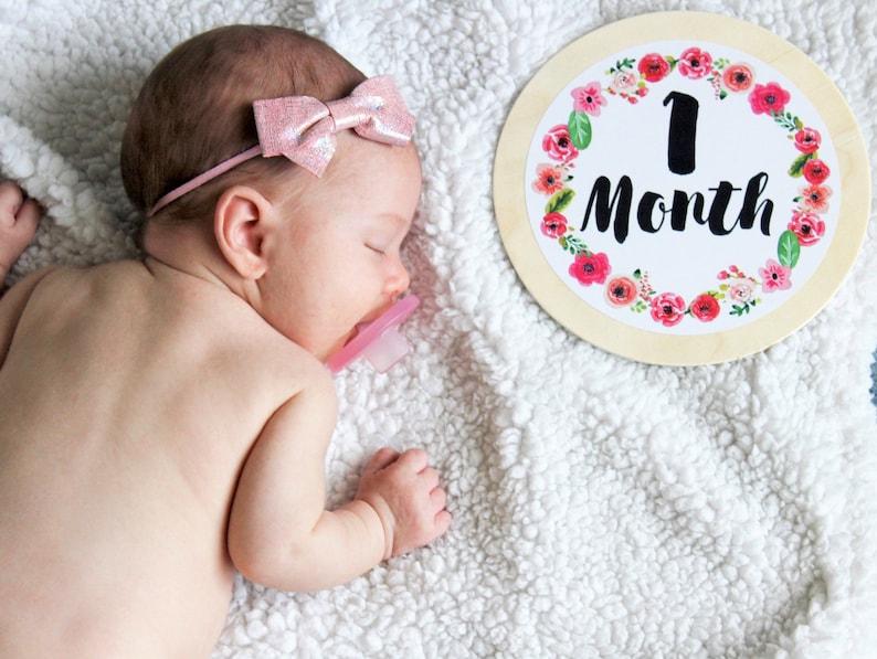 Baby Girl  Baby Milestone Shape™  Baby Milestone Cards  image 0