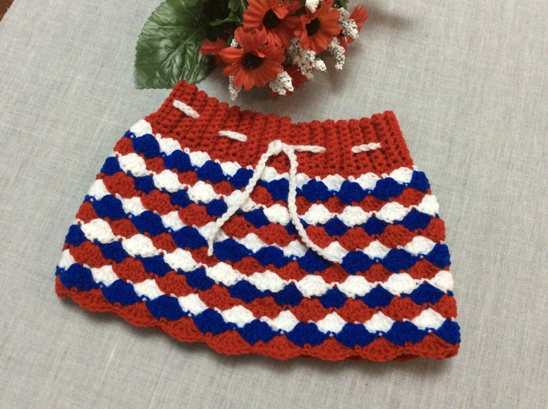 Beautiful baby or toddler crochet shell stitch skirt 18 to 24 months
