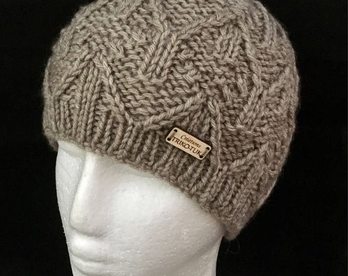 Knitted by hand - knit Beanie Hat