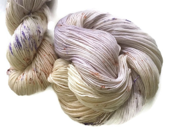 Hand dyed 19.5 micron Superwash Fingering 100% extra fine Merino Wool