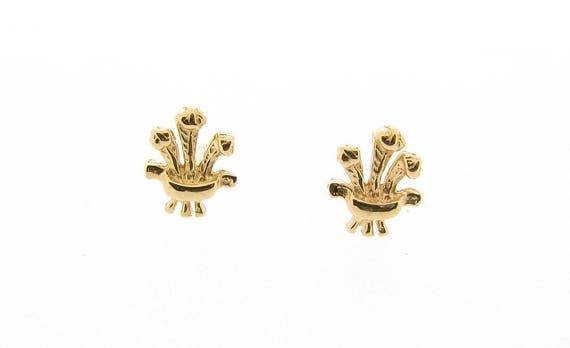 "9ct Gold Solid /'Welsh Dragon/"" Stud Earrings Butterfly Backs."