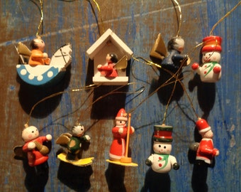 CHRISTMAS: 9 Miniatures vintage decorations/90s/ Hand made/ Cute and original/ For mini Christmas Trees, gift wrapping, etc...