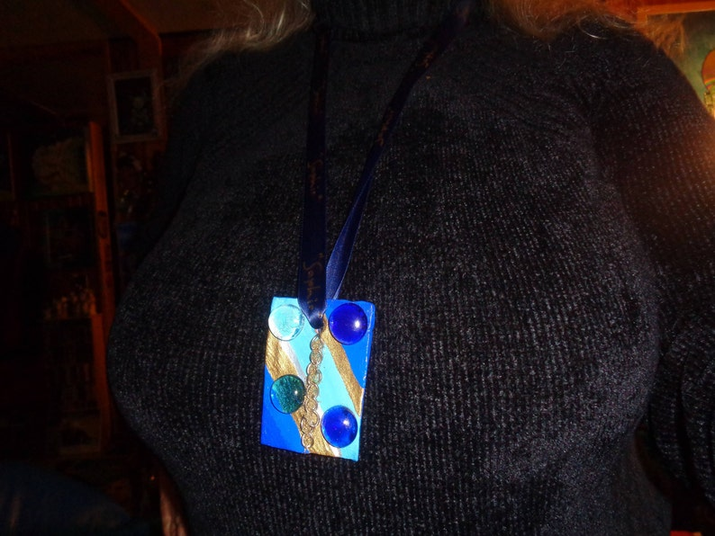 For CHRISTMAS or HALLOWEENOriginal giftSpectacular Artist pendant with ribbon6x4cmHand madeUNIQUE piece!