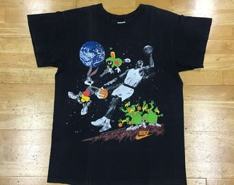 58615ade Nike Michael Jordan 1993 Bugs Bunny Looney Tunes Gray Tag T-Shirt Size L  Black Made in USA Space Jam Lovie