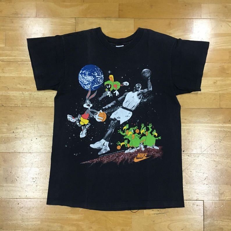 03c334636e7fc1 Nike Michael Jordan 1993 Bugs Bunny Looney Tunes Gray Tag