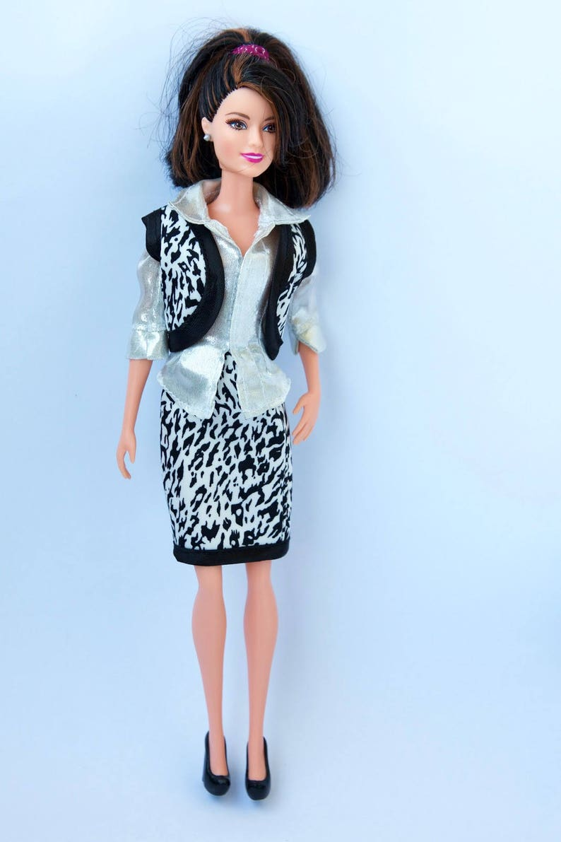 ad8950196c8 Vêtements Barbie Barbie gilet sans manches jupe de Barbie