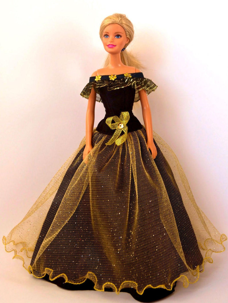 wholesale dealer a4f39 335d5 Vestiti di Barbie - Barbie Abito da sera, vestito di Barbie, vestiti per le  bambole Barbie, vestiti per le bambole Fashion Royalty, figura di azione ...
