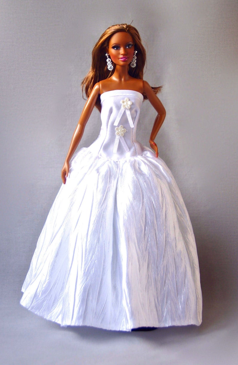 separation shoes 227ce 5ce62 Vestiti di Barbie - Barbie sposa abito - abito da sposa bambola Fashion  Royalty papavero Fashionista, vestiti per le bambole Barbie, bambola di 12  ...