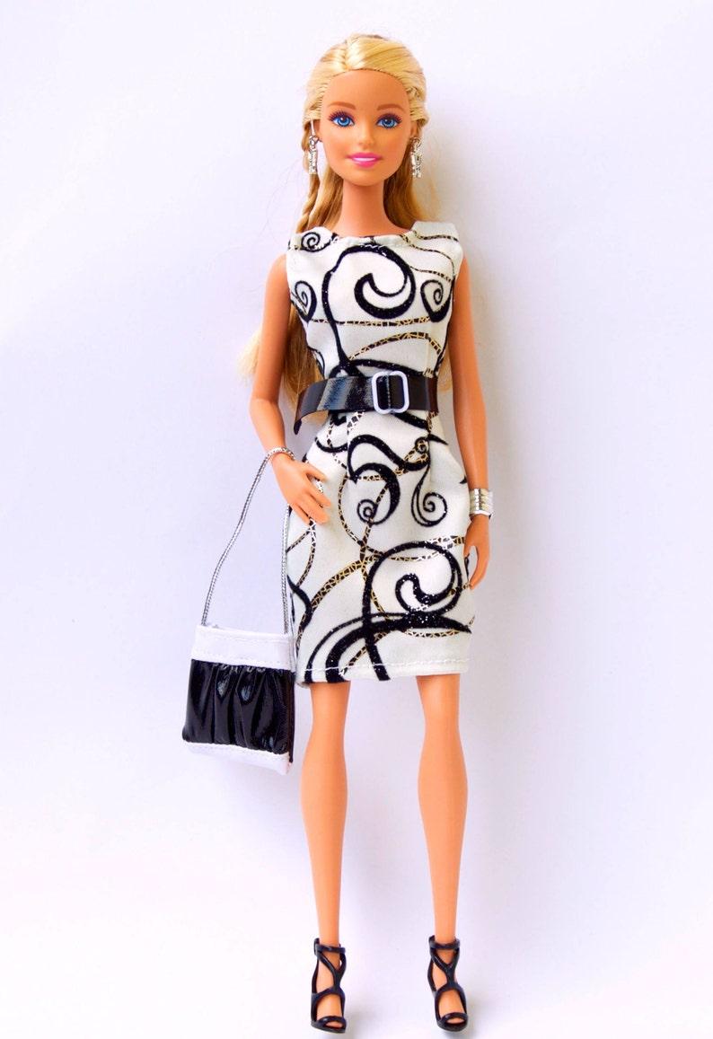 new product bbd46 66cb5 Vestiti di Barbie - Barbie vestito, borsa di Barbie - Barbie bambola  abbigliamento, Fashion Royalty Abito bambola da collezione dress abito  bambola ...