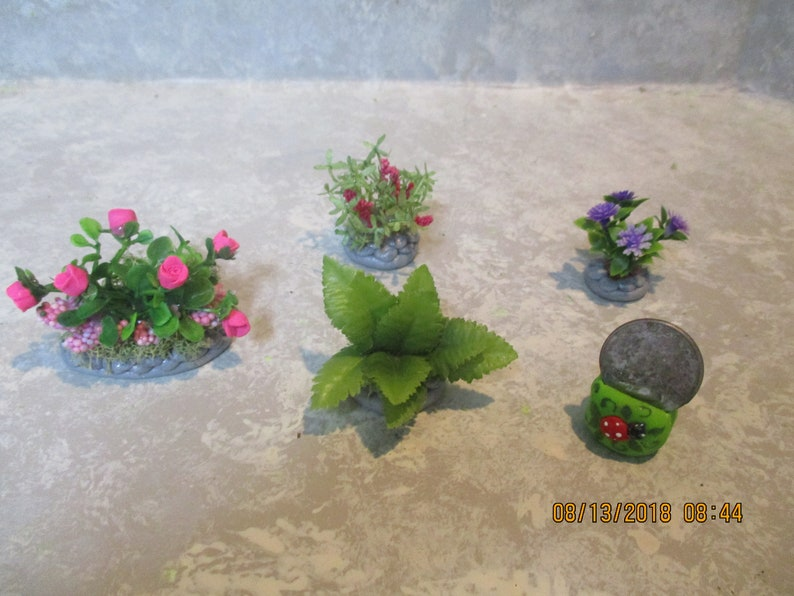 "Miniature Doll//dollhouse//TRAIN set of 6 greenery bushes 1 1//4/""h each"