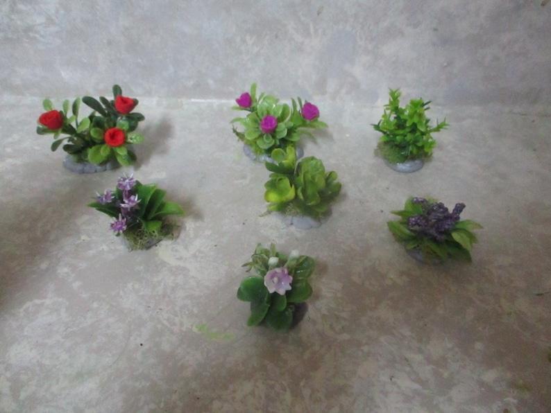 "Miniature doll//dollhouse 4 1//2/"" x 2 1//2/"" Purple Floral Bush//Butterfly//bee"