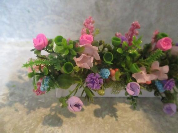 "Miniature Easter 1 3//4/"" Bunny Rabbit//polymer egg////rose//carnation//berry wreath"