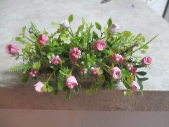"3/"" miniature doll//dollhouse window box//polymer pink//mauve roses//white carnations"