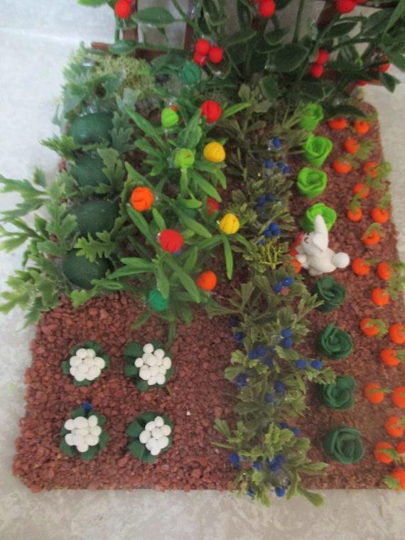 "6/""x5/""Miniature doll//dollhouse//Farm Vegetable garden//Tomato trellis.faux dirt #9"