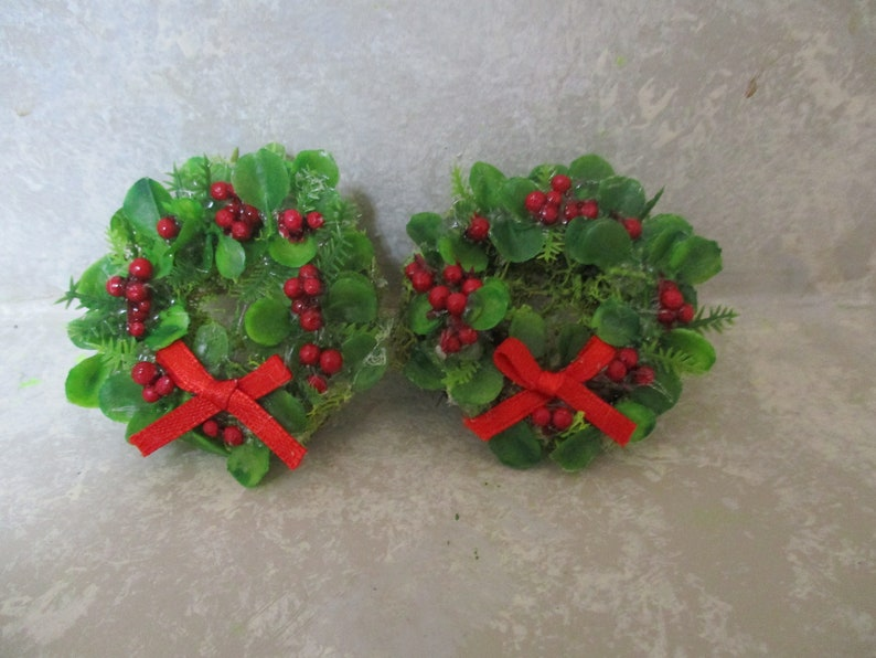 Miniature Christmas Card Basket w//Green and Red Bow #7 DOLLHOUSE 1:12 Scale
