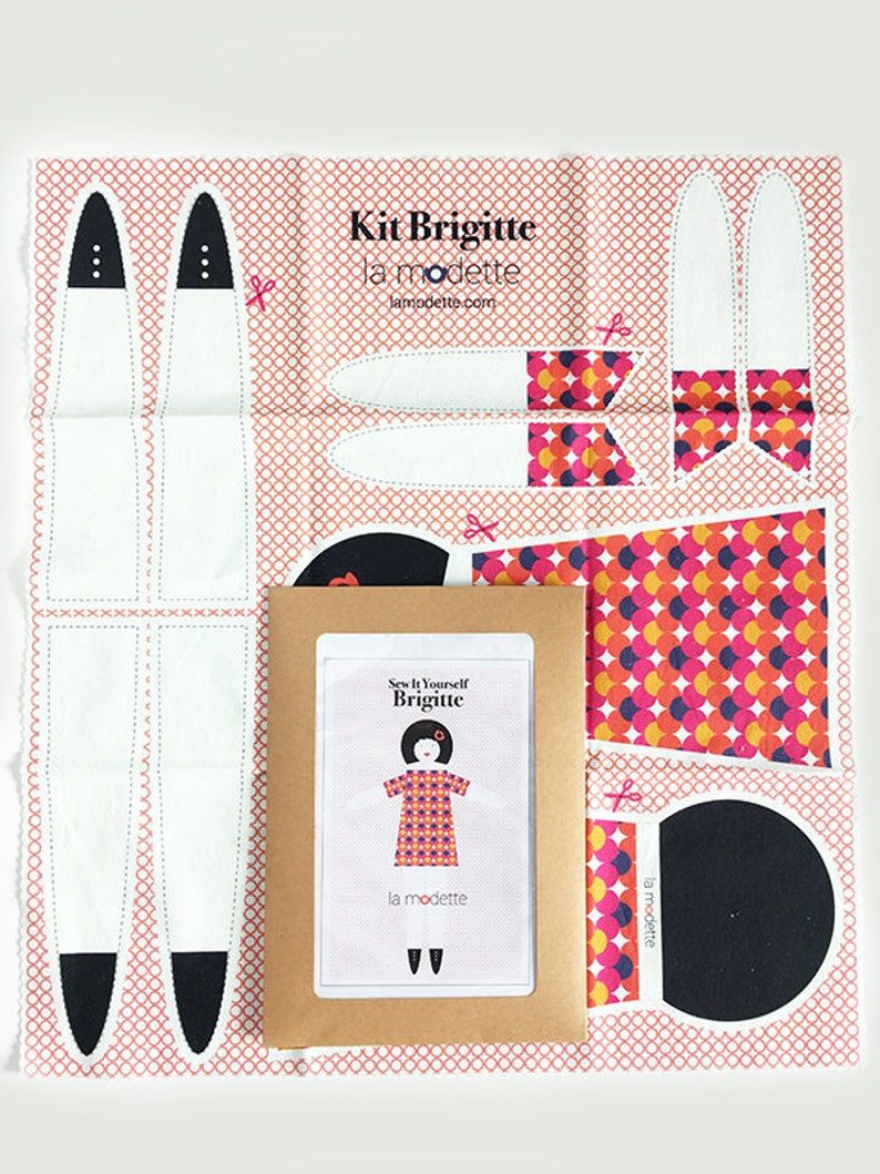 Doll sewing kit blanket  Brigitte image 0