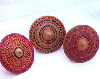 Wood spinning Top set of 3 (Decorative texture)