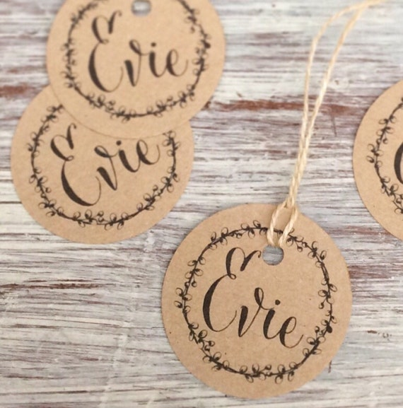 Personalised tags | Any text | Set of 10 | Circle wreath design | Christmas tags | Rustic kraft card | Gift tags.