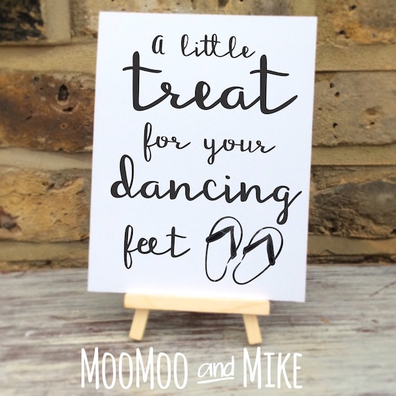 A little treat for your dancing feet | Wedding sign comes with small easel to stand on | Wedding favour sign | Flip flop wedding sign