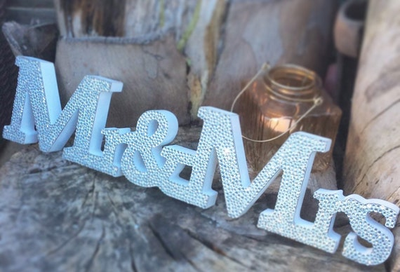 Wedding sign | Freestanding mr & Mrs sign | Wedding sign | Wedding decor | Crystal embellished | Rhinestone