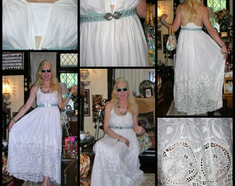 Vintage 1990s amazing beautiful massive full-sweep fully lined white fully lined Battenburg lace trapeze style maxi dress SIZE: SMALL 8 - 11