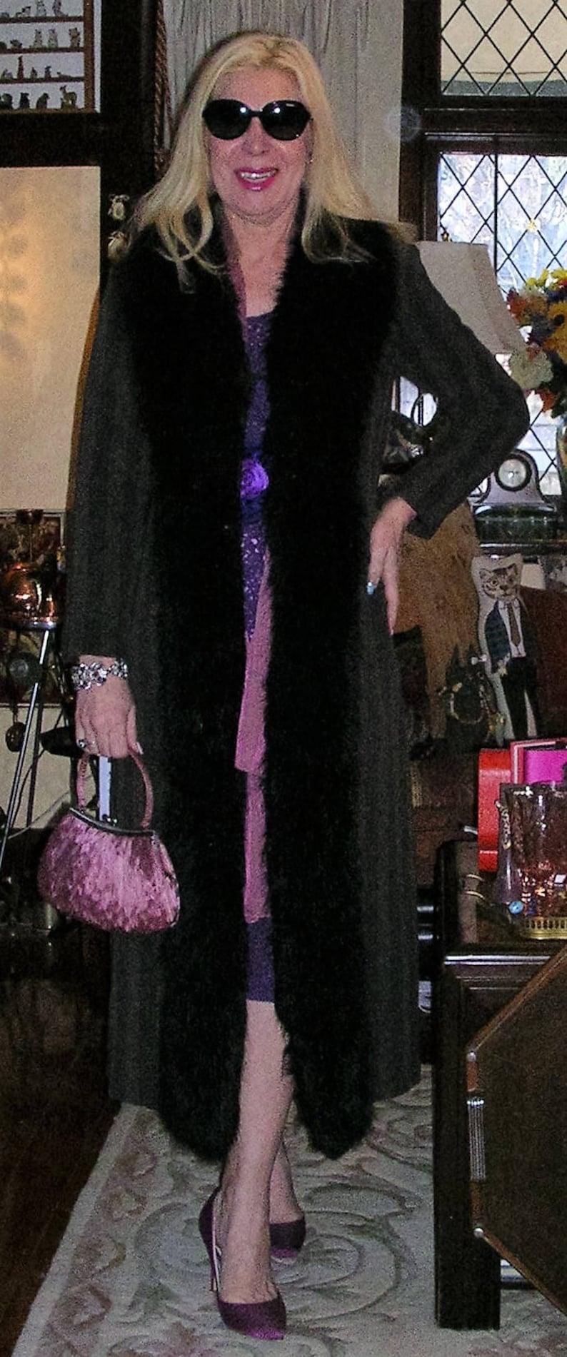 MEDIUM 12 Vintage 90/'s brown /& black chevron pattern velour satin lined stunning dress coat by Riki Nathan ft plush faux fur trims size
