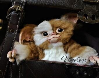 Felted Gizmo Mogwai Gremlin/Gizmo art doll/Gremlin toy/Gremlin sculpture/Needle felted creature/Wool gift/Gremlin gift