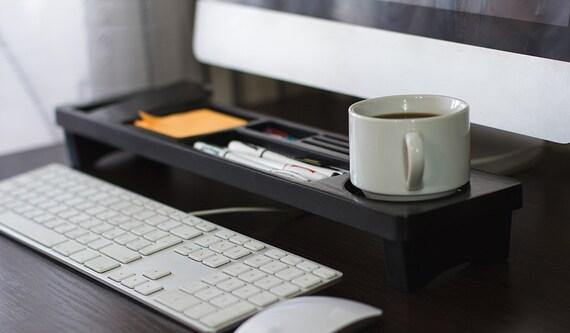 Houten Bureau Kantoor : Lichte kantoor aan huis beschikt over een houten bureau