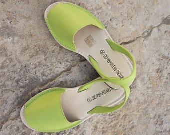 Sandales en cuir. sandales pour femme. Sandales Menorquinas-Avarcas. chaussures d'été. sandales plates. Sandales confortables. Fait à la main en Espagne