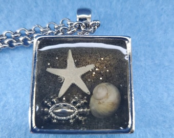 beach art, beach sand, star fish, crab, shell, necklace, Myrtle Beach, woman owned business