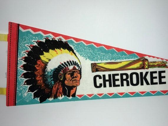 Vintage Pennant Gift Childhood Memory Flag Souvenir North Carolina Cherokee Pendant