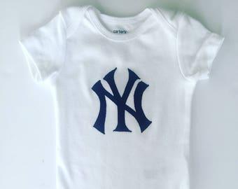 Yankees bodysuit, yankees logo, New York baby gift, yankees baby gift, New York yankees, New York baseball, New York baby clothes