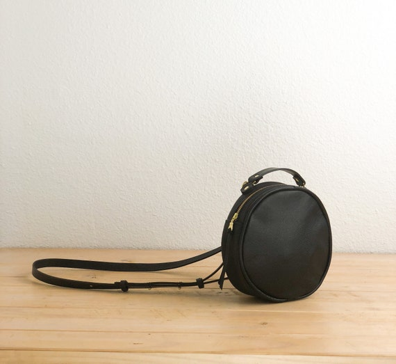 5cc0c1396187b Little black crossbody bag   Black leather crossbody purse
