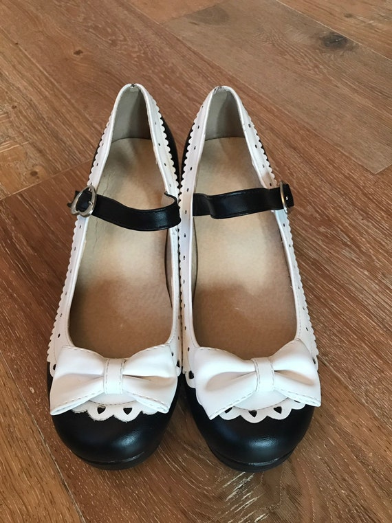 Vintage Platform Pin Up MARY JANES