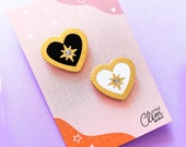 Lot 2 pin's heart black and white