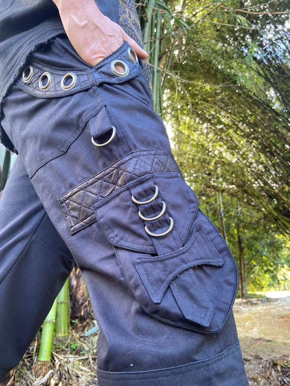 DAKRU Brown Cargo Mens Pants Shorts Knee High Tactical Functional Many Pockets Festival Tribal Nomadic Rave Steampunk Short Trousers AJJAYA