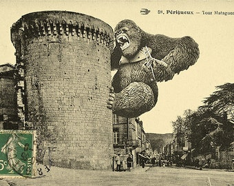 Postcard of King Kong and the Mataguerre Tower