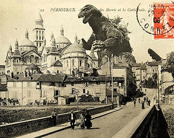 Godzilla postcard that attacks the cathedrale Saint-front
