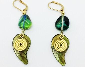 Wholesome green leaf earrings