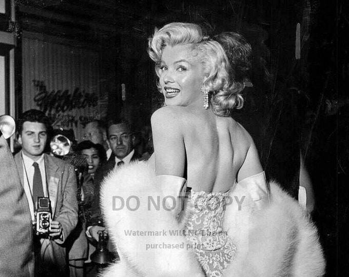 Marilyn Monroe Iconic Actress and Sex-Symbol - 5X7, 8X10 or 11X14 Publicity Photo (SP-181)