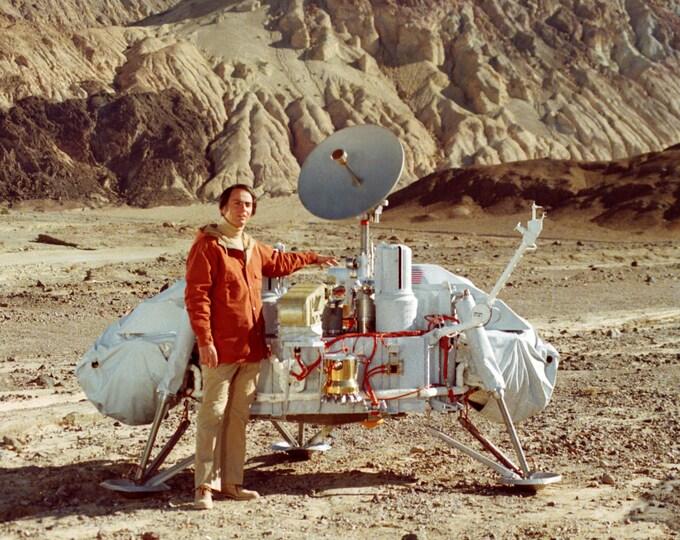 Dr. Carl Sagan Poses With Viking Lander Model - 5X7, 8X10 or 11X14 NASA Photo (AA-190)
