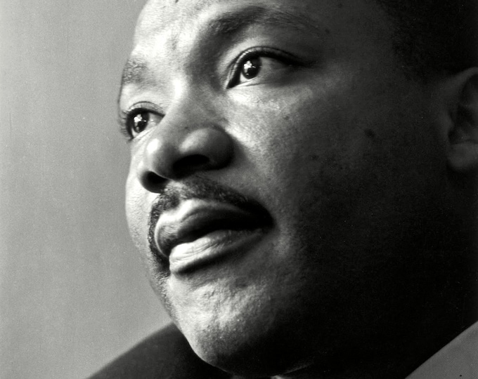 Dr. Martin Luther King, Jr. Civil Rights Leader - 5X7, 8X10 or 11X14 Photo (EP-637)