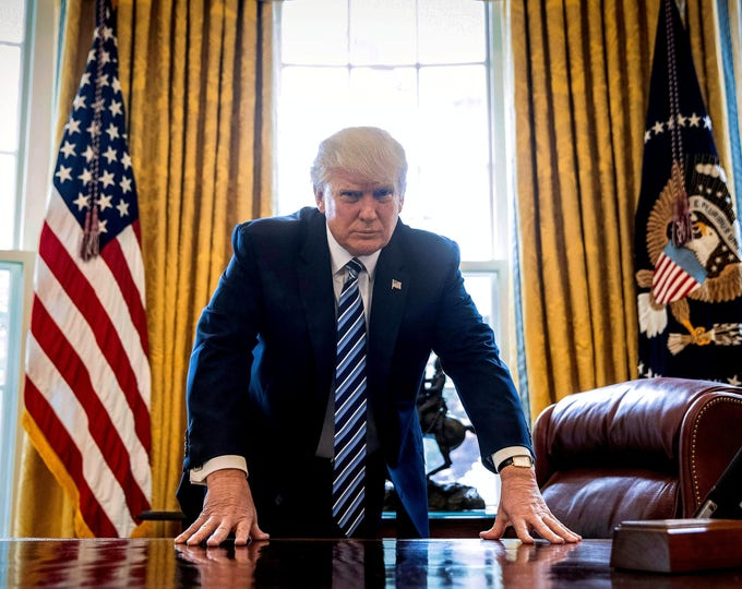 President Donald Trump Leans on His Desk in the Oval Office - 5X7, 8X10 or 11X14 Photo (ZZ-928)